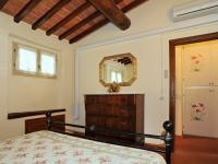 Cassettone antico camera appartamento Galileo