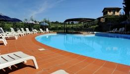 La piscina di Erboli Residence